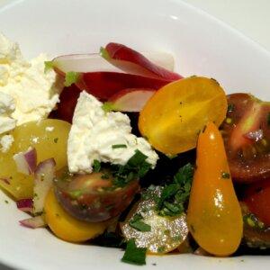 Salat med Roastbeef, drueagurk, pickles, rødløg og salat