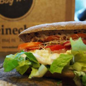 Sandwich med Meineche´s rejesalat m/æg, tomat og salat